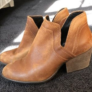 Rugged Steve Madden Heeled Bootie